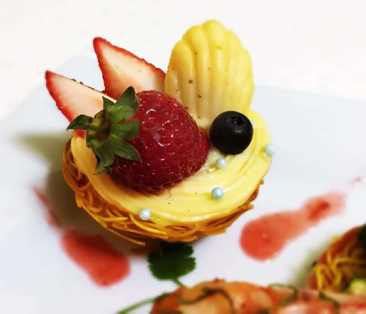 薑黃麵線料理食譜-薑黃麵線卡士達草莓塔 - 1