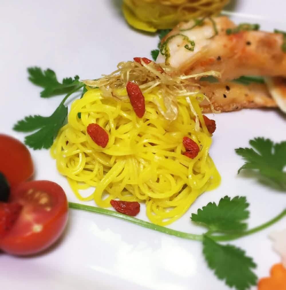薑黃麵線料理食譜-麻油薑絲枸杞薑黃麵線 - 1