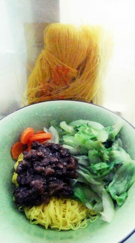 薑黃麵線料理食譜-乾拌薑黃麵線 - 1