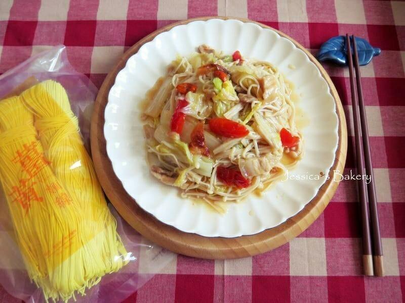 薑黃麵線料理食譜-白菜滷燴薑黃麵線 - 1
